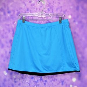 Tail Turquoise and black active wear skirt/shorts